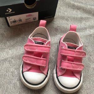 CONVERSE - Toddler Girl Pink Size 4